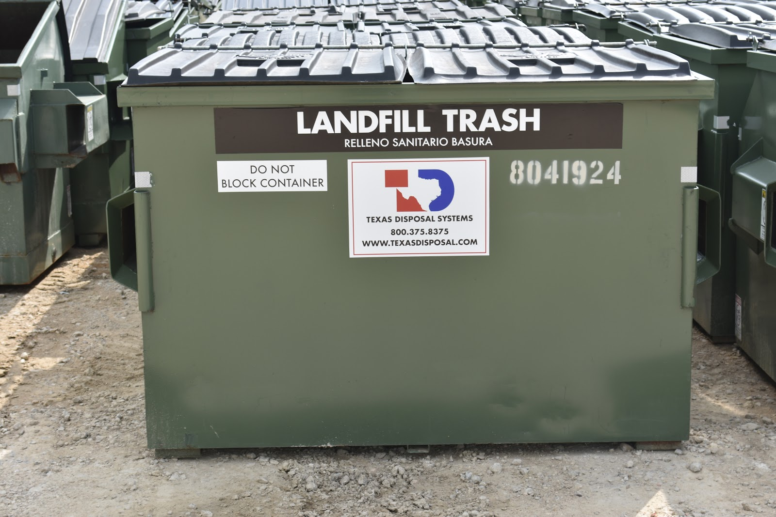 Front-load dumpsters for Texas business